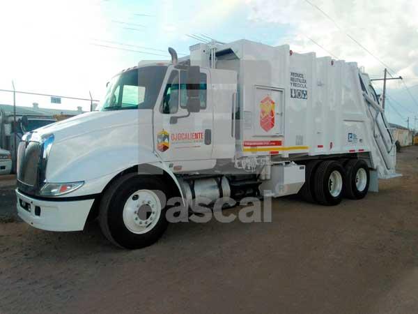 Camión Internacional 8600 recolector de basura