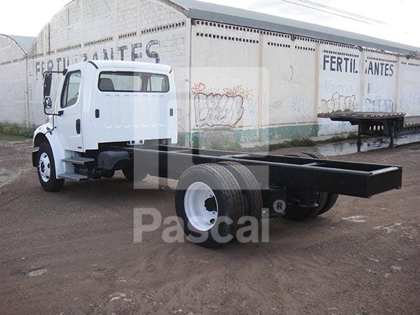 Camión Freightliner modelo M-2