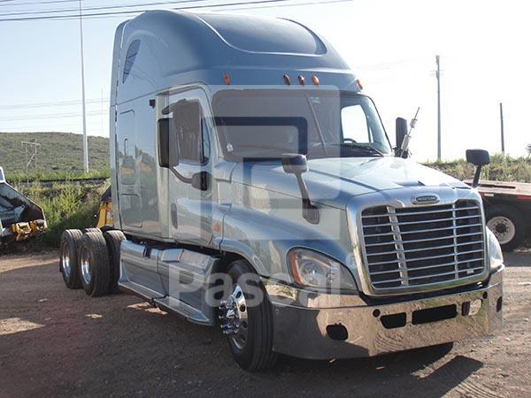 Camión Freightliner Cascadia - Quinta rueda