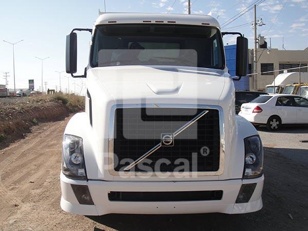 Camión Volvo Tercera Generación – Volteo 14 m3