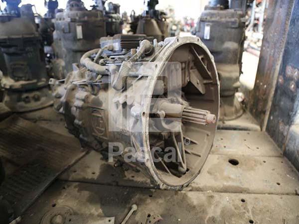 Transmisión Estándar marca Spicer, modelo PS145, de 7 velocidades