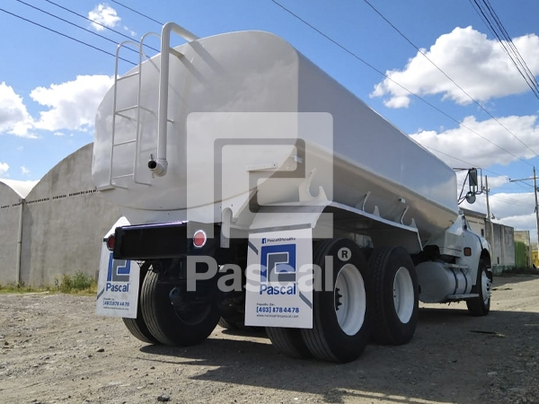 Camion_pipa_Ford