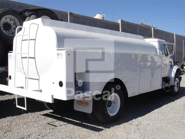 Camión International 4900 Pipa