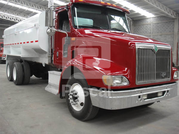 Camión International 9200 Eagle Pipa