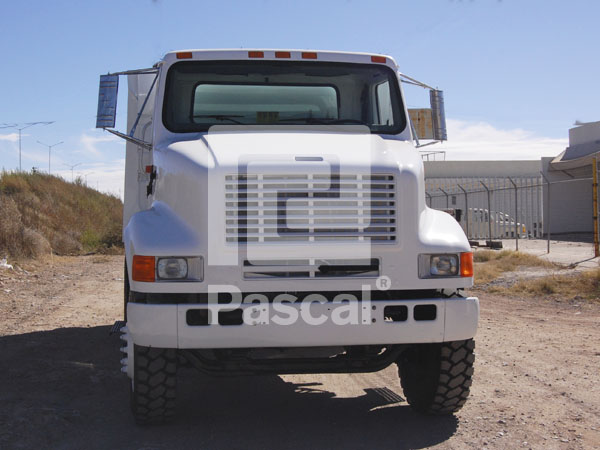 Camión International 8100 Volteo de 14 m3