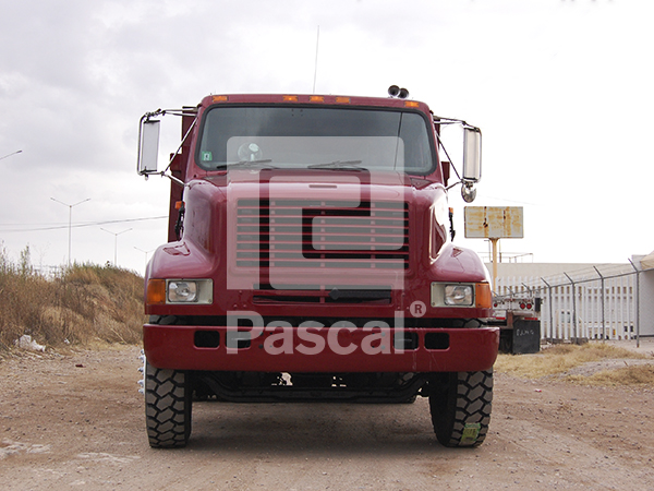 Camión International 8100 volteo 7m3