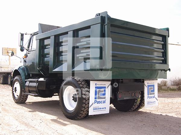Camión International 8100 Volteo de 7 m3