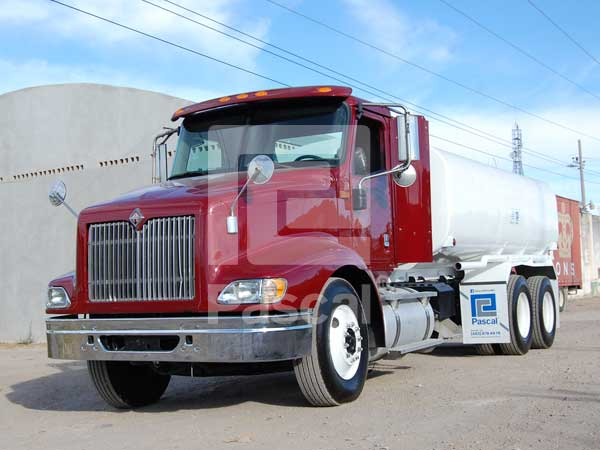 Camión International 9200 pipa